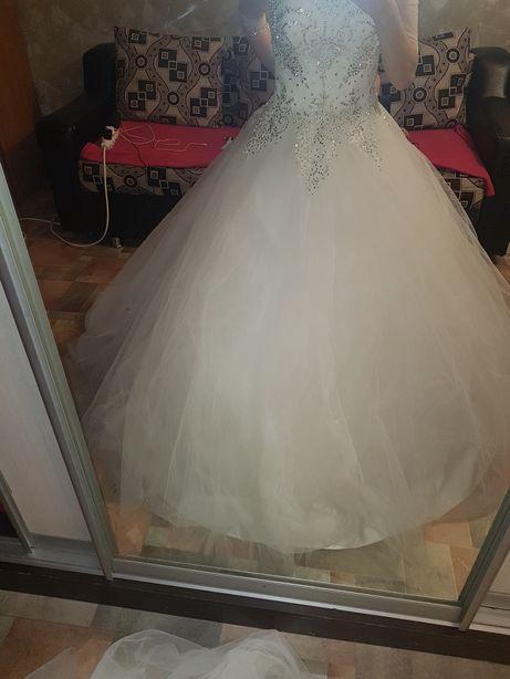 Почти даром свадебное платье