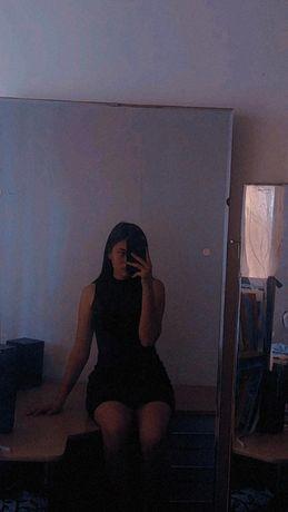 продам платье черное женское