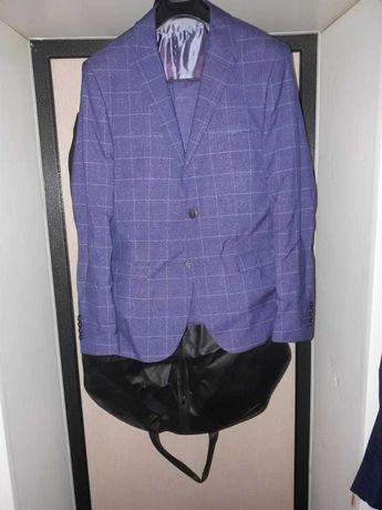 Продам мужской костюм тройка синего цвета
