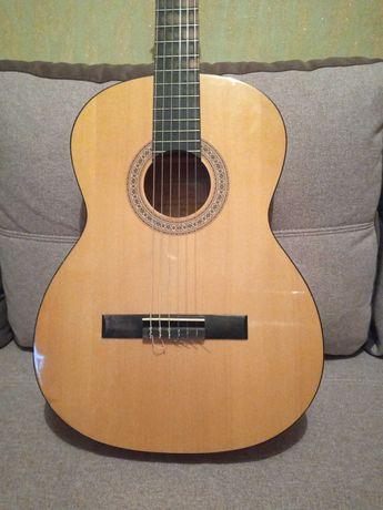 Продам Чехословацкую гитару фирмы Strunal