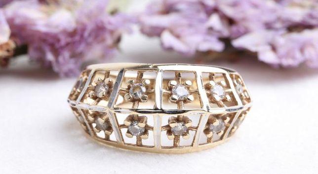 0% Кольцо с камнями, золото 585 Россия, вес 3.49 г. «Ломбард Белый»