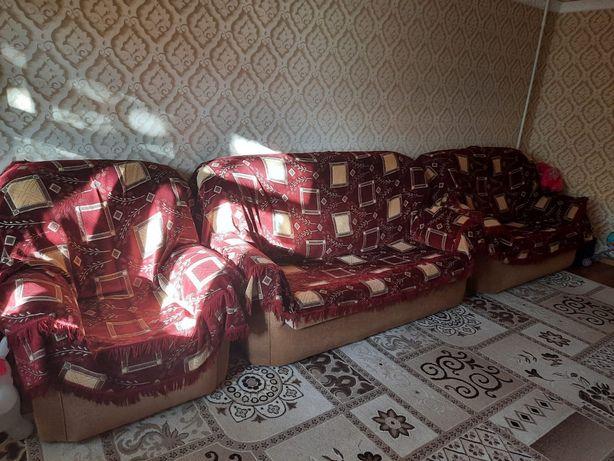 Продам диван 3+1