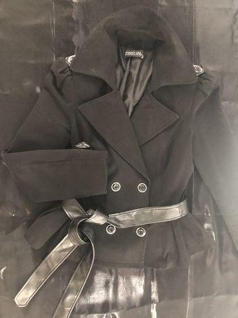 Палто с кожен колан -20 лв