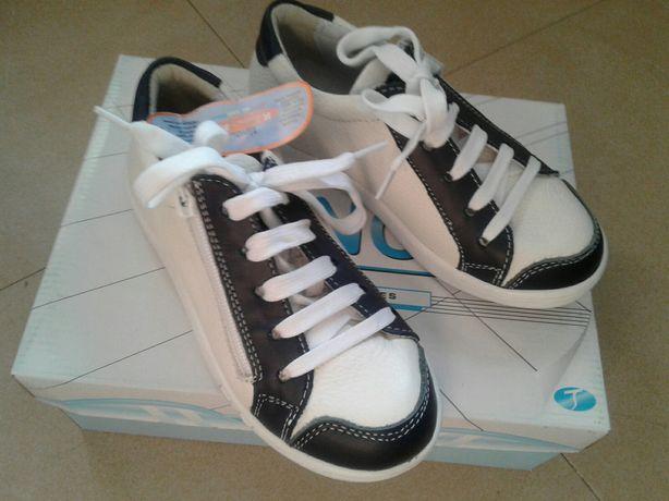 Adidasi copii, marca Tino, din piele naturala, marime 32 ,34 in cutie
