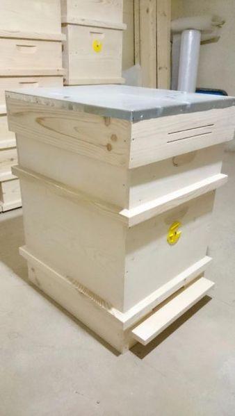 Продавам пчелни кошери гр. Провадия - image 1
