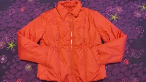 Червено спортно яке за есеннп-зимния сезон-25лв.