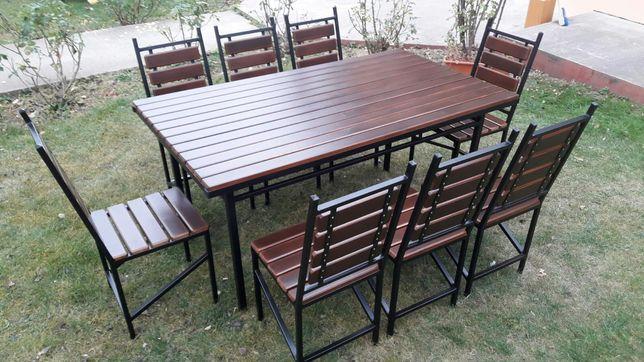 Masa dreptunghiulara cu 8 scaune
