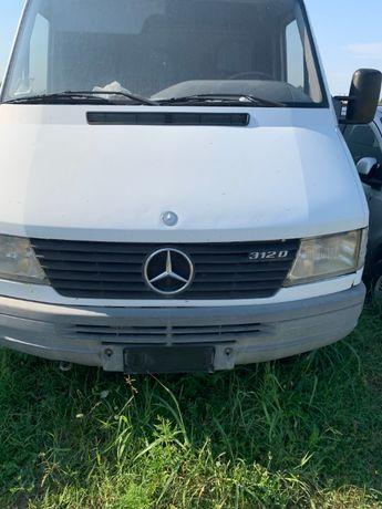 Desmebrez Mercedes spriner motor 3000