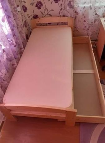 Paturi dormitor din brad noi!