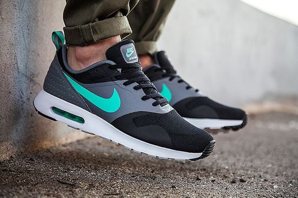 NIKE AIR MAX TAVAS Black/Menta/Cool Grey