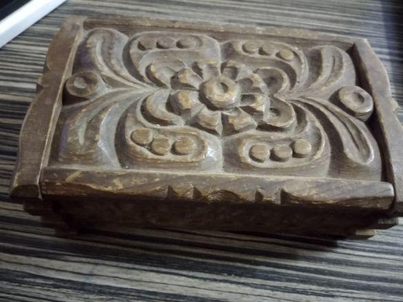 кутия сувенирна дървена ретро