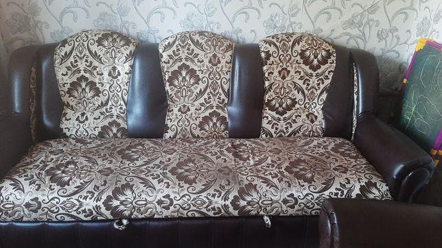 Продаю диван  и два кресло
