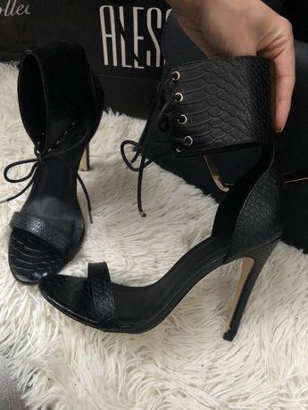 Обувки на висок ток с кайшка reserved