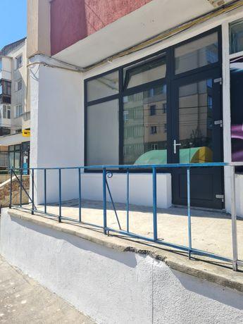 Spațiu comercial 43 m2 de vânzare de închiriat  ( chirie 450 euro )