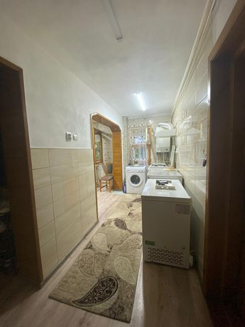 Vând apartament decomandat 3 camere
