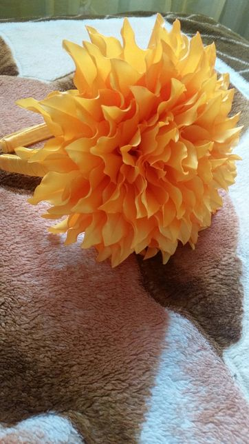 Ободок цветок оранжевый