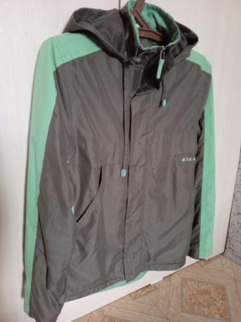 Продам куртку размер s(46)