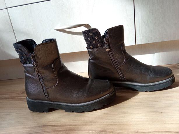 Весение ботинки.