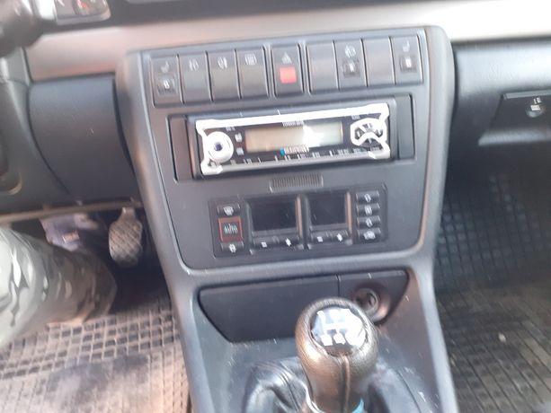Dezmembrez audi a4 b5 1.8 turbo 150 cai