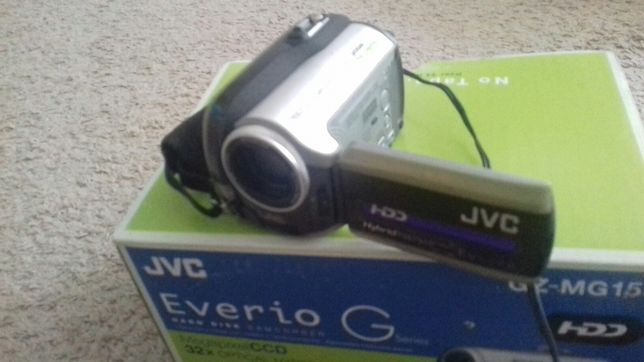 Camera video JVC-MG 155E 30GB nu focalizează
