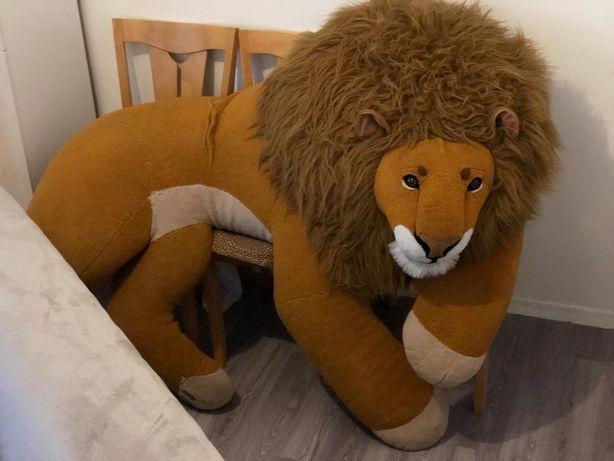 Лев мягкая игрушка огромного размера