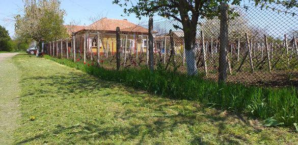 Къща с голям двор в село на 18км от гр.Добрич