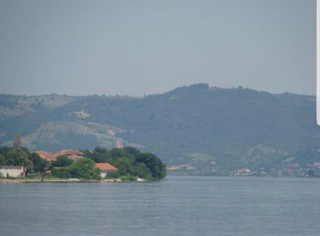 Vand teren cu deschidere la Dunare