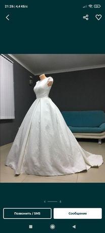 Свадбные платья букет.. фата новый.