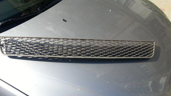 Продавам решетка за предна броня Форд Мондео мк3