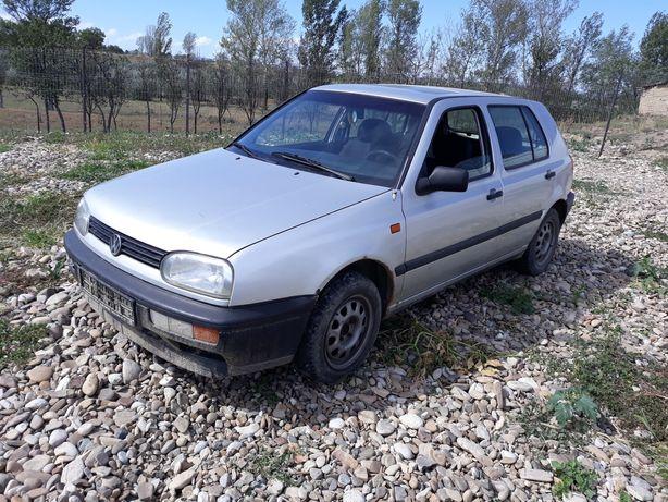 Dezmembrez VW Golf 3 1.6 benzină