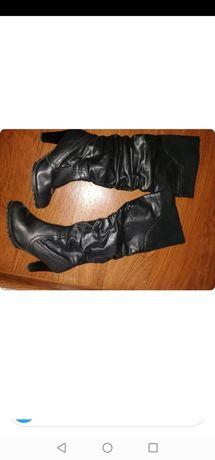 Продам осенние и зимние женские сапоги