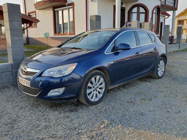 Vând Opel Astra, An 2010, Cp 145, 4 Cauciucuri Iarna Noi = 3300 €.