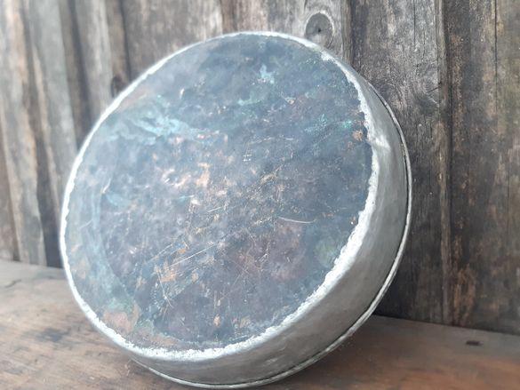 Стара българска ръчно кована медна тава. Добре калайдисана