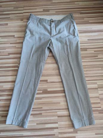Vând pantaloni eleganți Zara