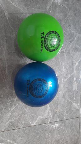 Продам гимнастические мячи