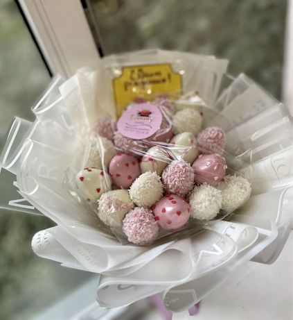 Клубника в Шоколаде  букеты  подарки  Фруктовые букеты