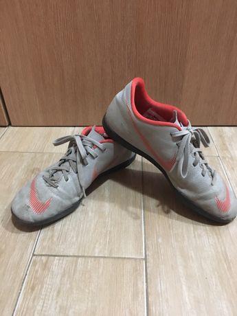 Футболни обувки - стоножки , Nike Mercurial и Tiempo-x No38,5