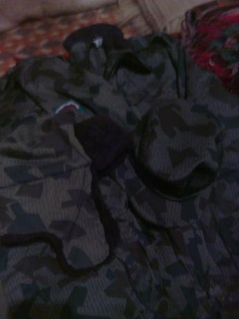 Комфлажен комплект яке панталон и риза с подплати.коити се свалят плюс