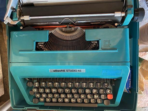 Masina de scris vintage Olivetti studio 45