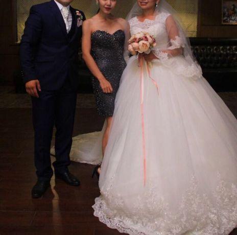 Раскошное свадебное платье