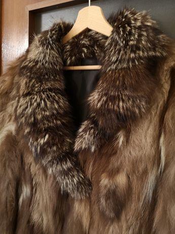 Кожено палто, естествен косъм лисица.