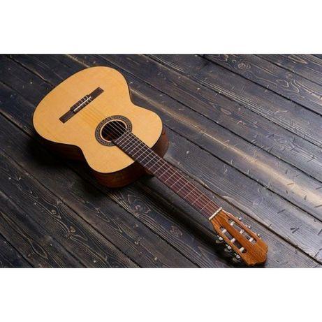 Классическая гитара Flight с125 4/4 na