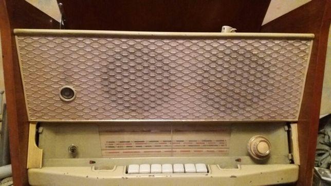 """Продам радиолу """"Мелодия"""""""
