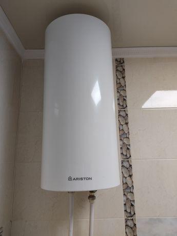 Продам б/у водонагреватель ariston