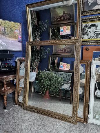 Зеркала в раме Багет