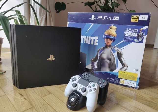 Sony PlayStation 4 Pro 1 Tb с играми