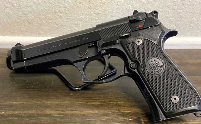 Pistol AIRSOFT Puternic Si Precis Pe Aer Comprimat 6mm Co2+BILE