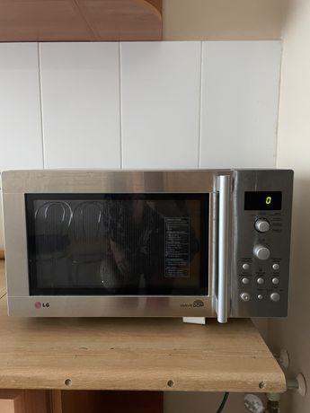 Микроволноваа печь