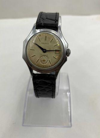Съветски руски СССР механичен ръчен часовник Восток 60 години