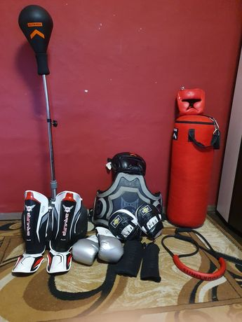 Echipamente kickboxing/box